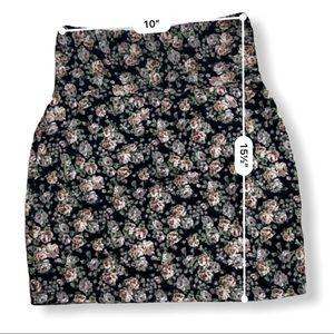 Talula Sketch Floral Skirt Size Small
